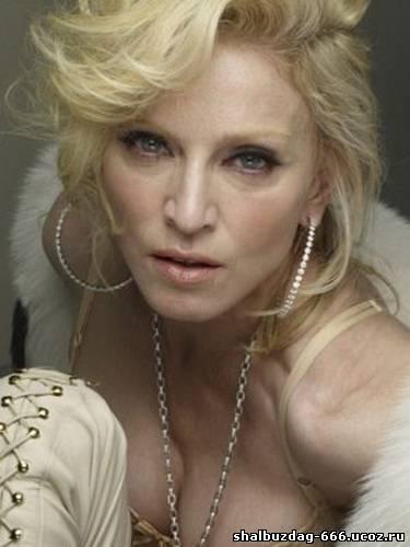 Фотограф выложил фото реальной фигуры Мадонны. В интернете продолжает появляться все больше реальных фотографий Мадонны...
