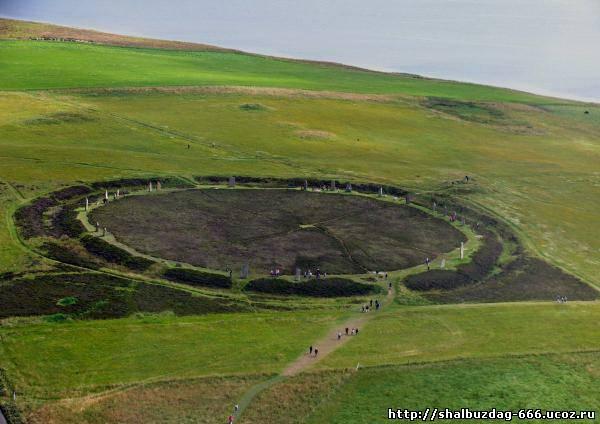 Круг Бродгара — третий по величине кромлех Британских островов.